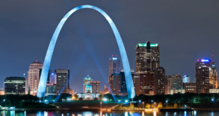 The iconic St Louis Gateway Arch.
